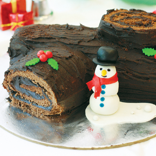 Yule log cake by Maaria Tanveer
