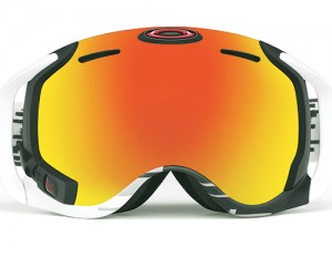 Oakley Airwave 1.5 The Airwave comes with a built in HUD (heads-up display), which integrates GPS, Bluetooth and other sensors to tell you how well and far you jumped, your current location, distance travelled, co-skier tracking, music controls and lets you view incoming calls and texts. Connects via Android/iOS apps to smartphones. Ideal for skiing, snowboarding and extreme sports. USD 650*. Oakley.com/airwave