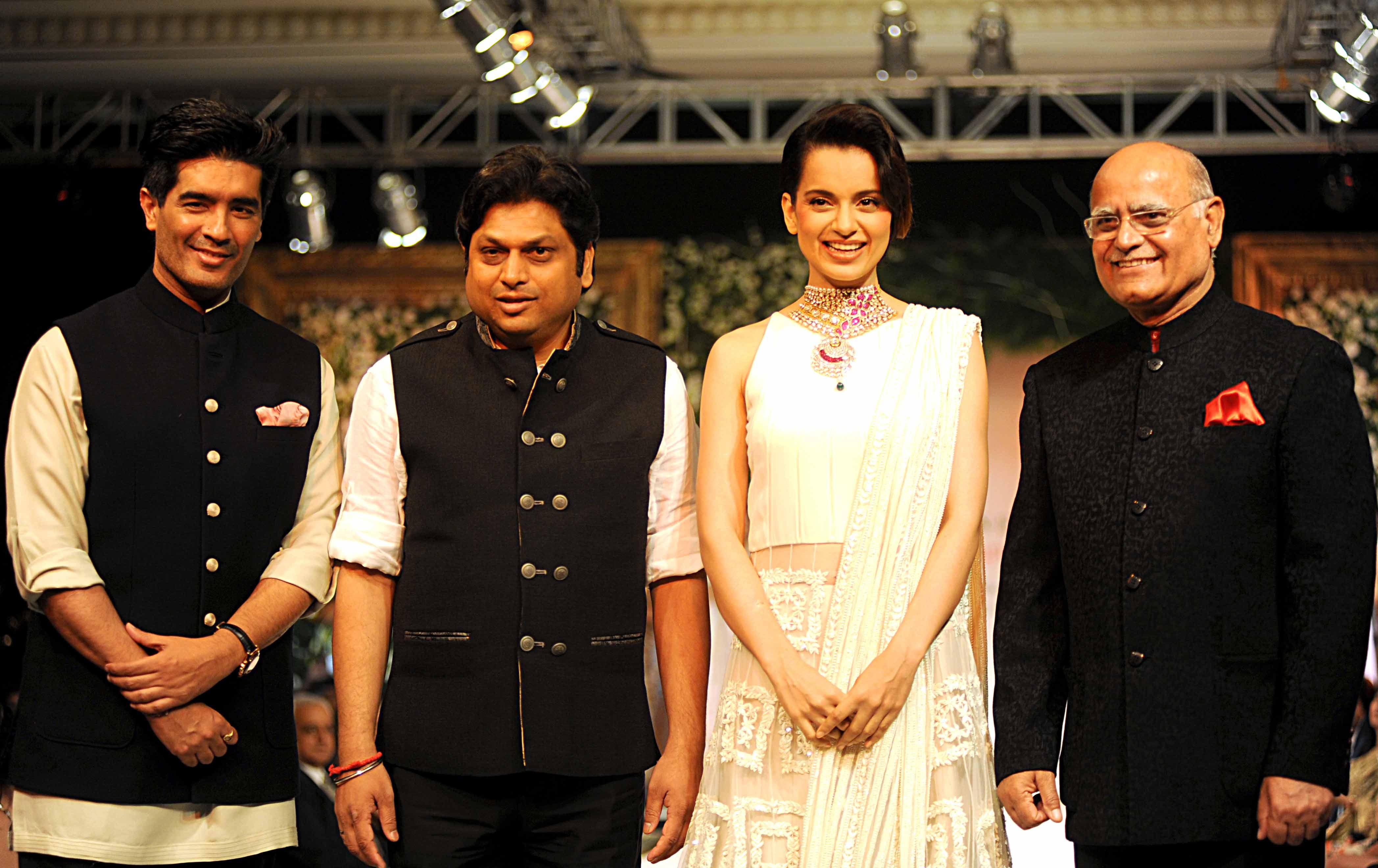 Manish Malhotra, Kangana Ranaut, MD PC Jeweller Balram Garg, editorial director TNIE Prabhu Chawala